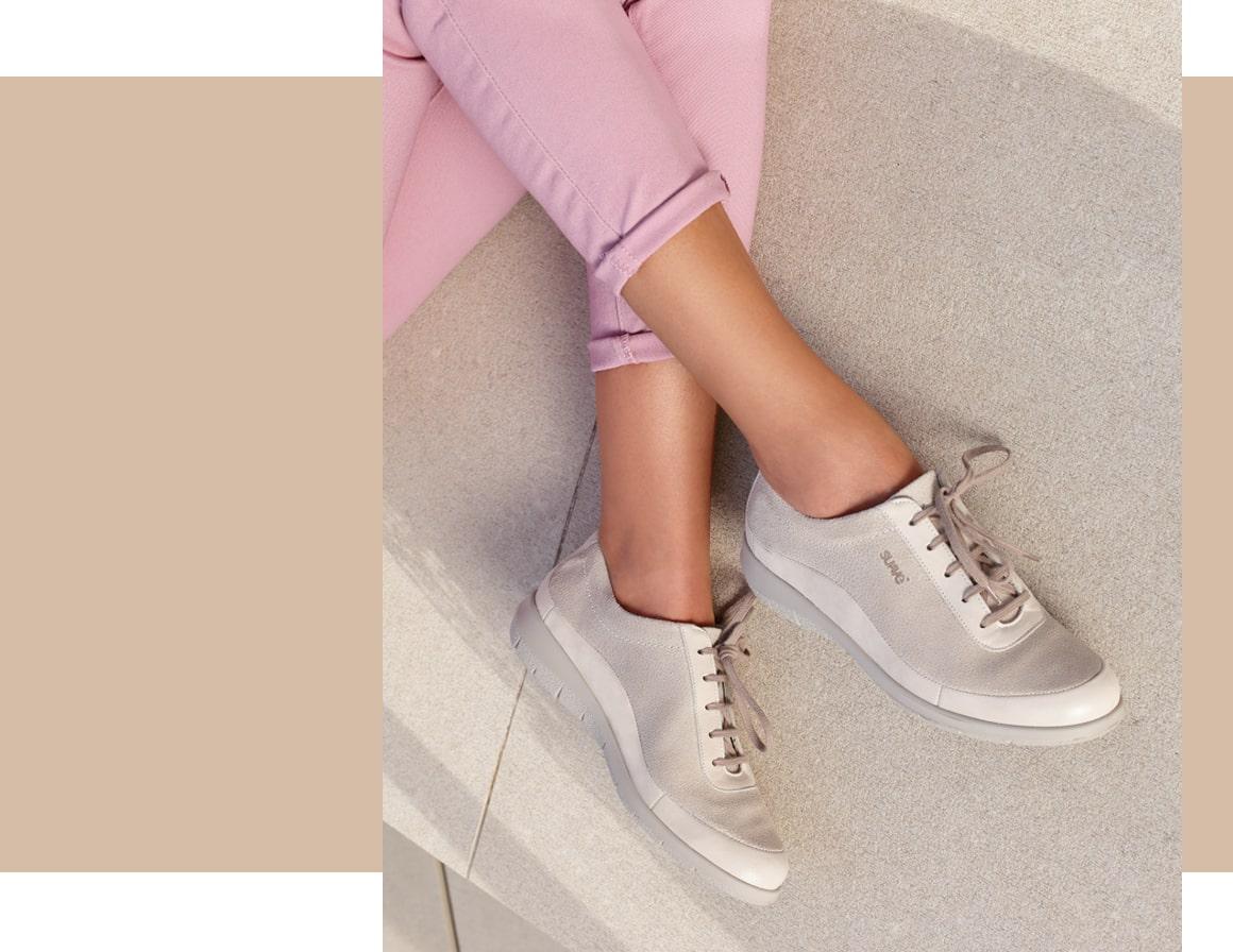 Sapatilhas ortopédicas de senhora da marca de calçado Suave.